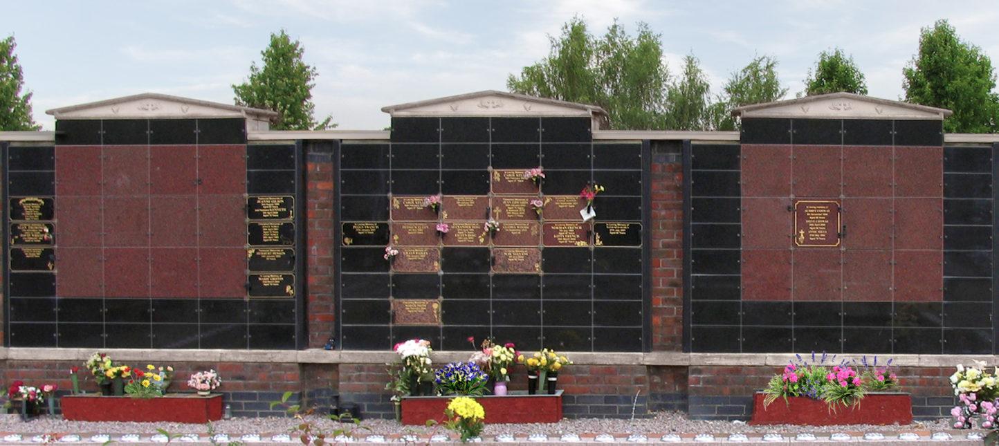 Wall niche memorials