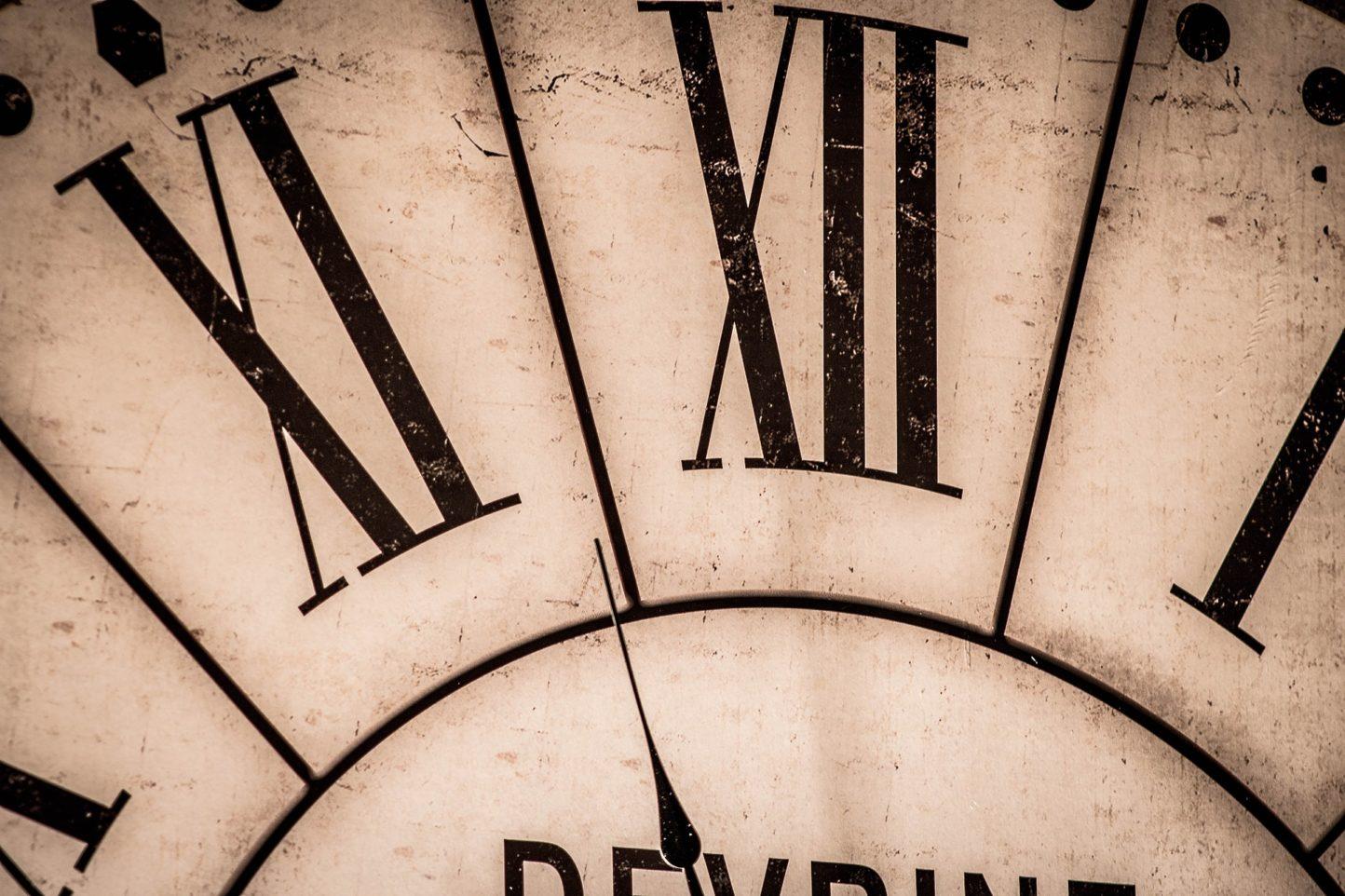 clock-2999997_1920